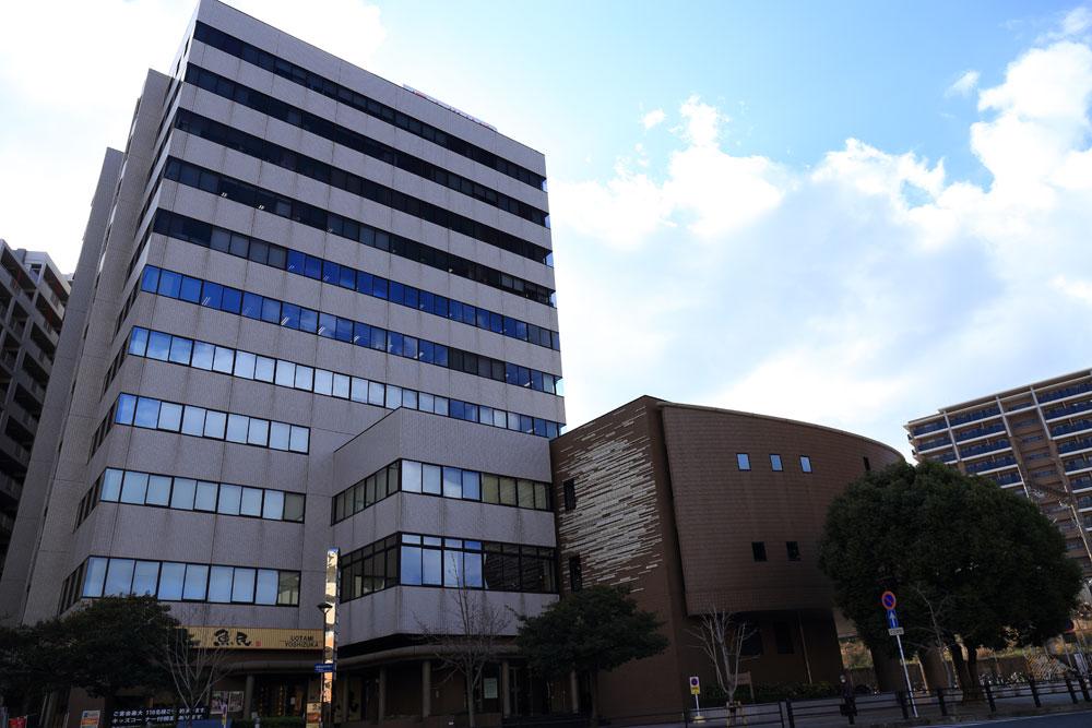 福岡県中小企業振興センタービル