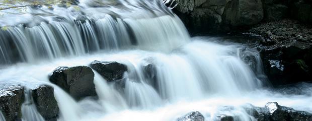 スローシャッターで流れる水を撮ろう!紅葉とセットで撮れそうな九州の滝(川・渓流)スポットまとめ